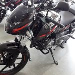 2017-bajaj-pulsar-180-bs-iv-body-decals-pictures-photos-images-snaps-video