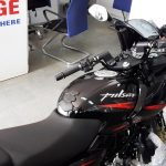 2017-bajaj-pulsar-220f-bs-iv-split-seats-pictures-photos-images-snaps-video