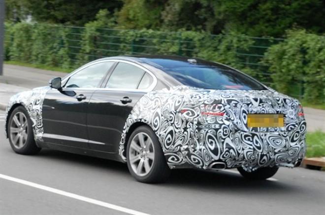 New-Jaguar-XF-facelift-rear