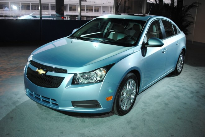 will chevy india launch cruze eco which hits on highway. Black Bedroom Furniture Sets. Home Design Ideas