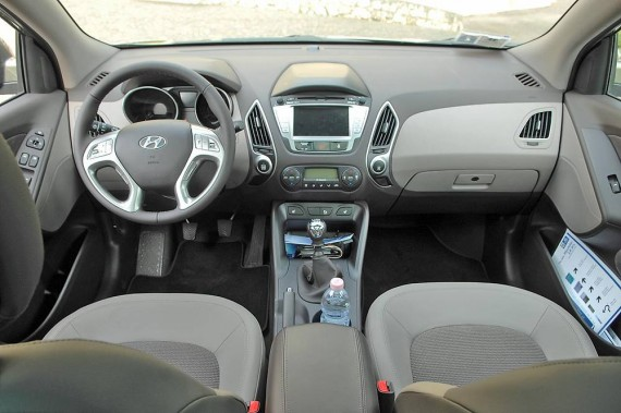 2011 Hyundai Tucson Interior - BharathAutos - Automobile News Updates