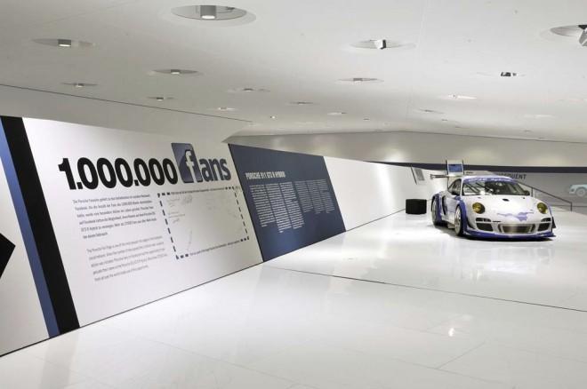 Porsche celebrates millionth Facebook fan special 911 GT3 R