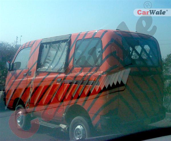 Spied – Mahindra Maxximo passenger van