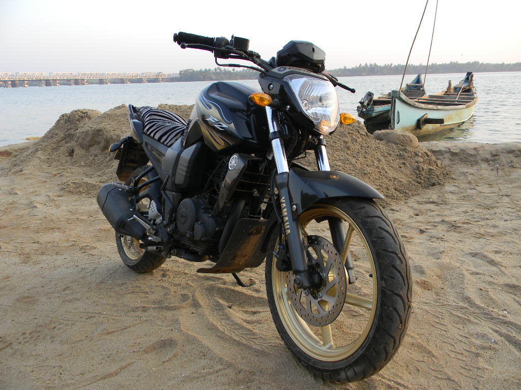 BA Tested Yamaha FZ16 Midnight Special 5