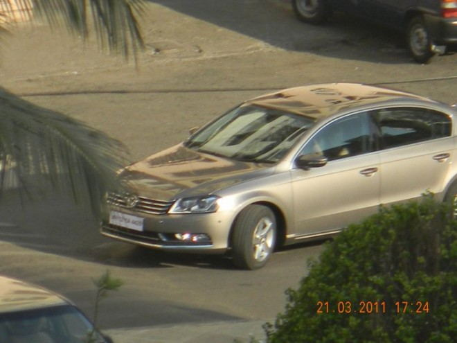 New-VW-Passat-in-India-spied-1