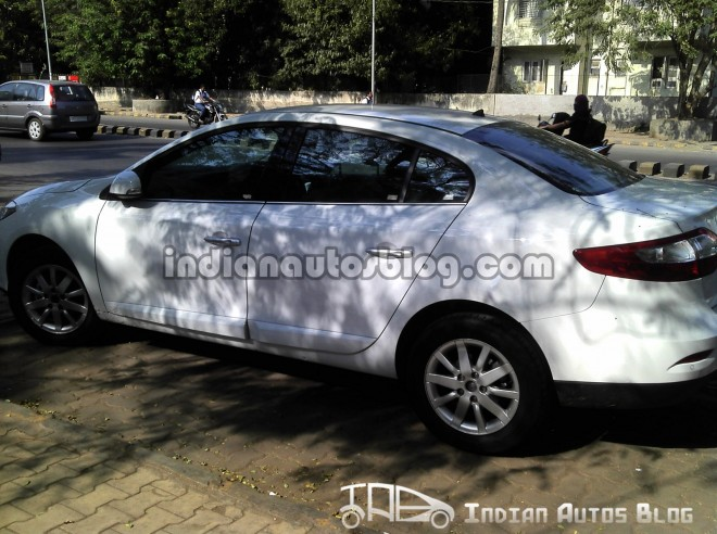 Spied - Renault Fluence SideView