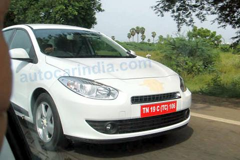Spied - Renault Fluence Front