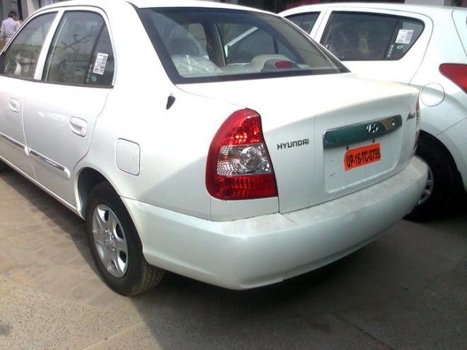 2011_Hyundai_Accent-Rear