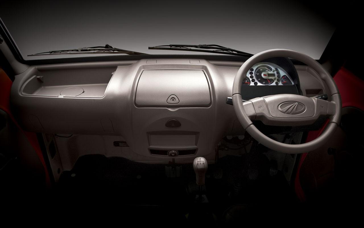 Mahindra Maxximo Minivan Launched