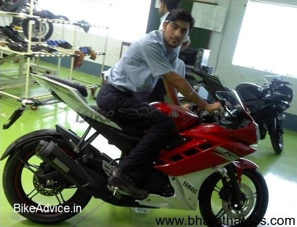 Spied - 2011 Yamaha-R15
