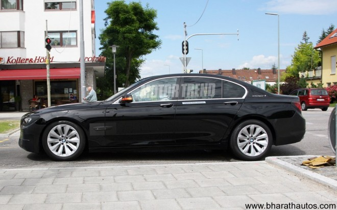2012-BMW-7-Series-Spyshot-SideView