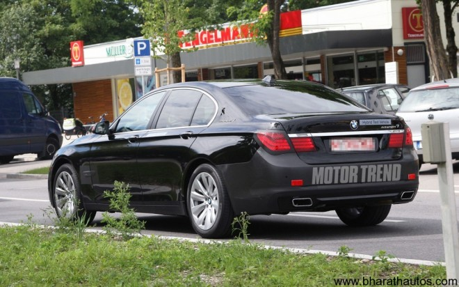 2012-BMW-7-Series-Spyshot-Rear