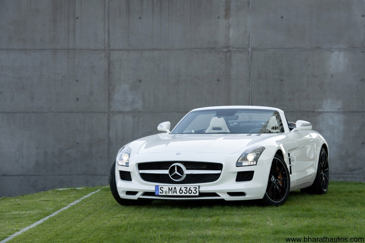 2012 Mercedes-Benz SLS AMG Roadster 001