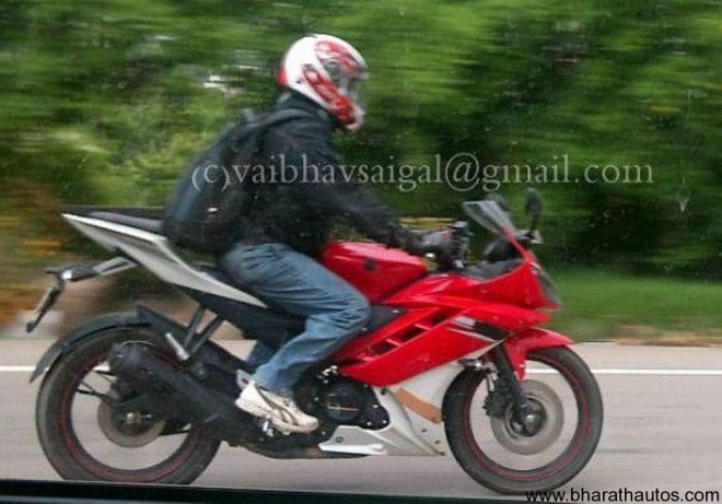 Spied 2012 Yamaha YZF-R15 yet again