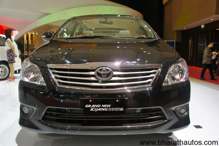 2012 Toyota Innova facelift - 001