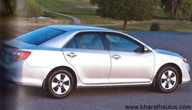 2012 Toyota Camry leaked in Magazine - Rear