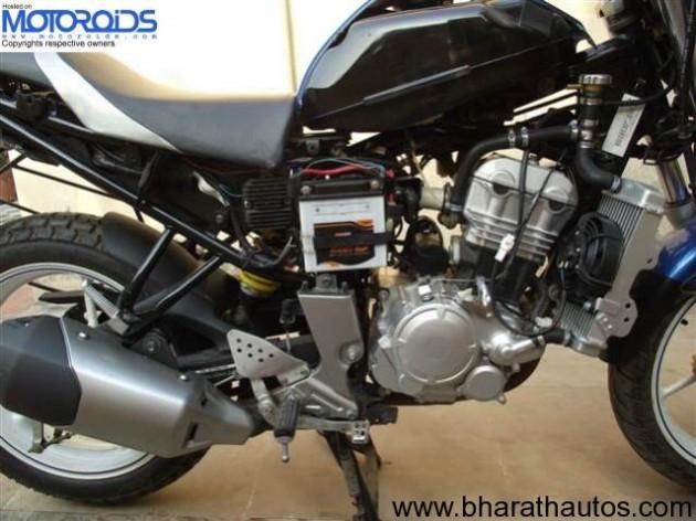 Yamaha FZ-250 SideView
