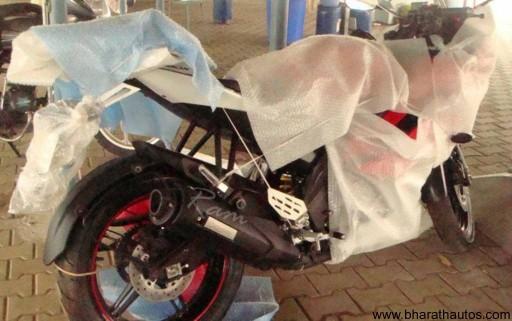 2012_Yamaha_YZF-R15 - 004