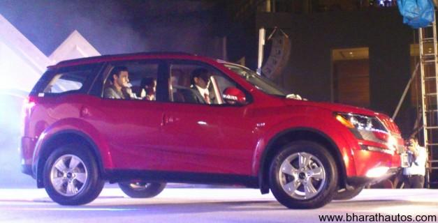 Mahindra XUV500 - SideView