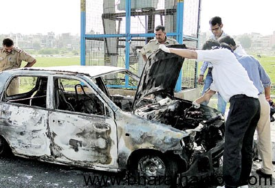 Maruti Alto burns 27 year old man to death in Delhi