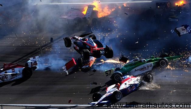 Dan Wheldon dies in 15-car wreck at Las Vegas