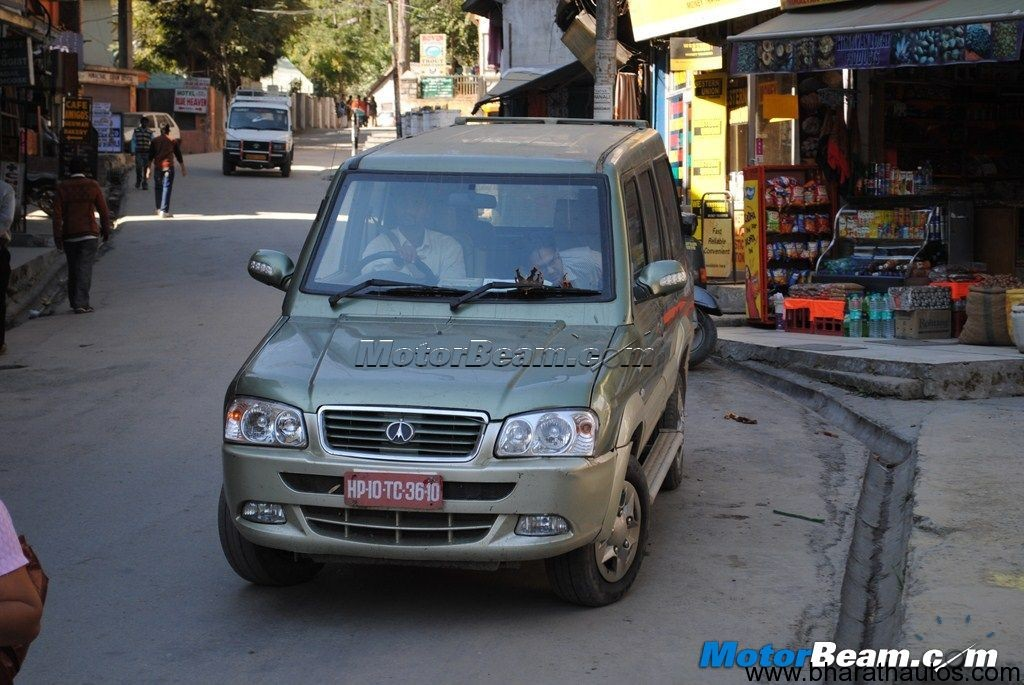 2012 Chevrolet Tavera Facelift 002 Bharathautos Automobile