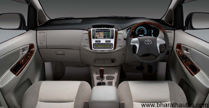 Toyota Innova Facelift Expected To Launch At 2012 Auto Expo