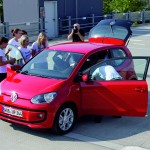 Volkswagen Up! Swallows 16 People - 002