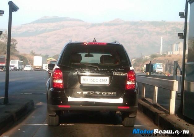 Spied Ssangyong Rexton in Mumbai-Pune expressway