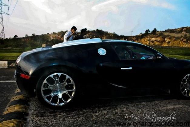 Bugatti-Veyron-speed-bump-003