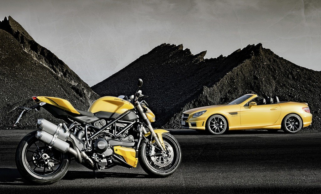 Ducati Streetfighter 848 and Mercedes SLK 55 AMG - 001