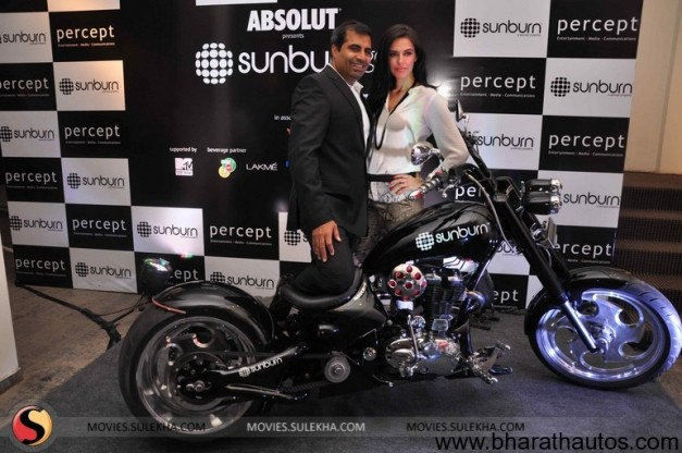 Neha Dhupia unveils the first look of 'Sunburn Chopper' - 001