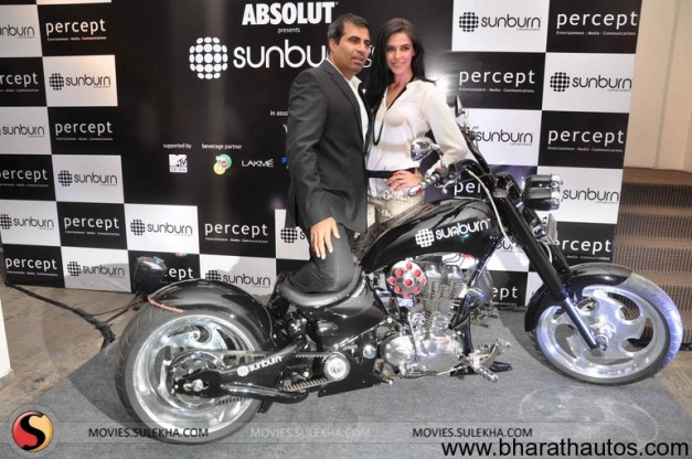 Neha Dhupia unveils the first look of 'Sunburn Chopper' - 004
