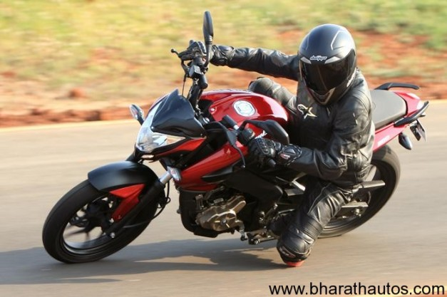 New Bajaj Pulsar 200NS - 005