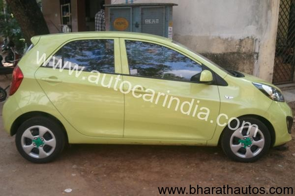 Kia Picanto spied - SideView