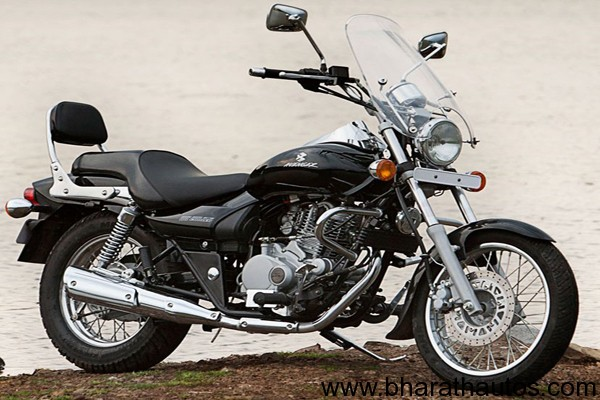 2011-Bajaj-Avenger-220-black-outside