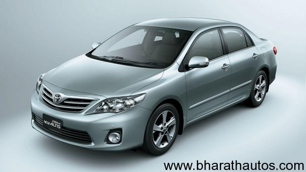 Toyota-Corolla-Altis-new-1.8-G-HV-launched-in-India-at-a-price-of-Rs-1376000-001