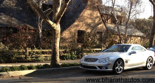 Steve jobs mercedes benz sl55 amg still parked outside for Mercedes benz employment