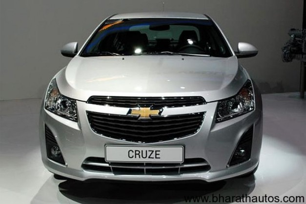 New Chevrolet Cruze Station Wagon facelift - FrontView