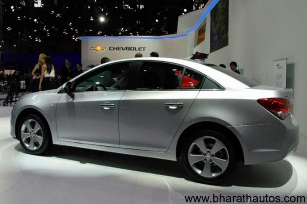 Chevrolet Cruze - SideView