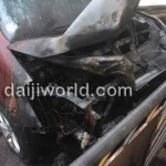 Maruti Ritz caught fire in Mangalore - 004