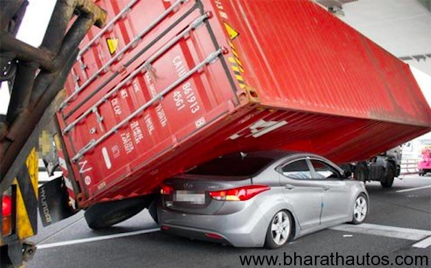 Hyundai Elantra prevents container from rolling over