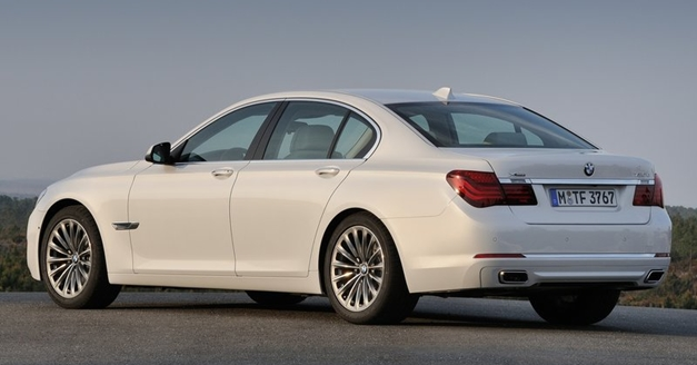 BMW 7-Series (2013) - RearView