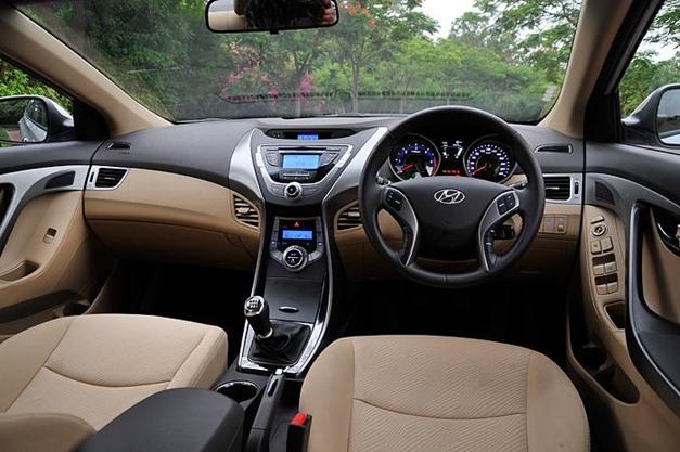 New Hyundai Elantra - DashView