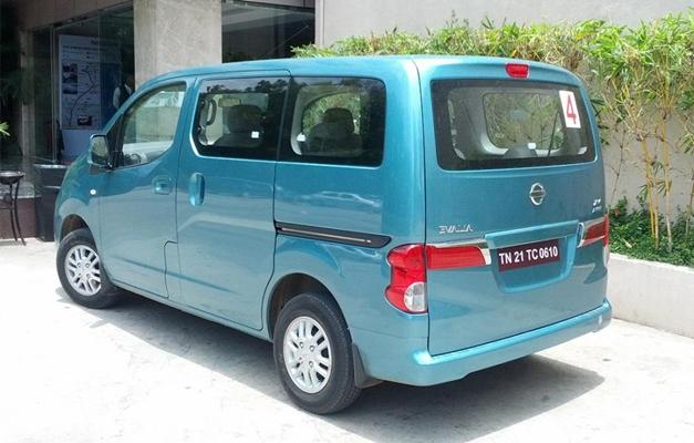 Nissan Evalia - RearView