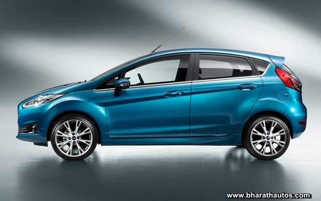 2013 Ford Fiesta hatchback - SideView