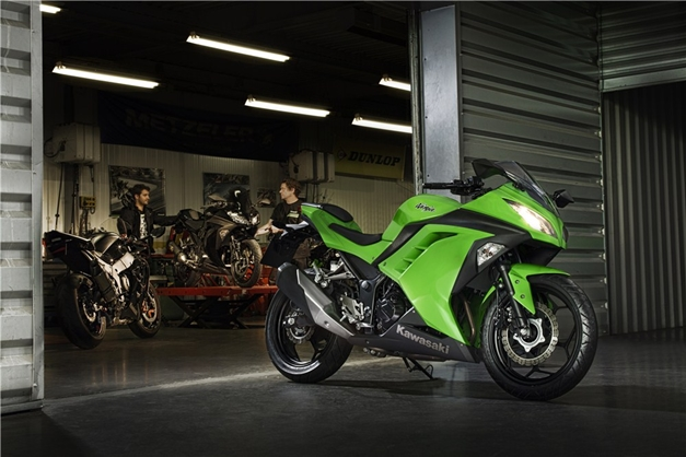 2013 Kawasaki Ninja 300R - FrontView