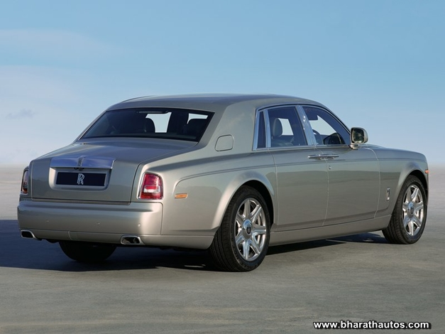 Rolls-Royce Phantom Series II (standard wheelbase version) - RearView