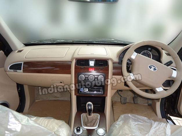 Tata Safari Storme SUV - DashView