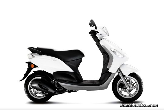 Piaggio Fly 125 - SideView